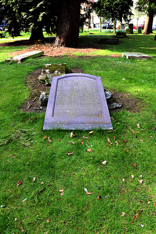 Family grave in Kelso